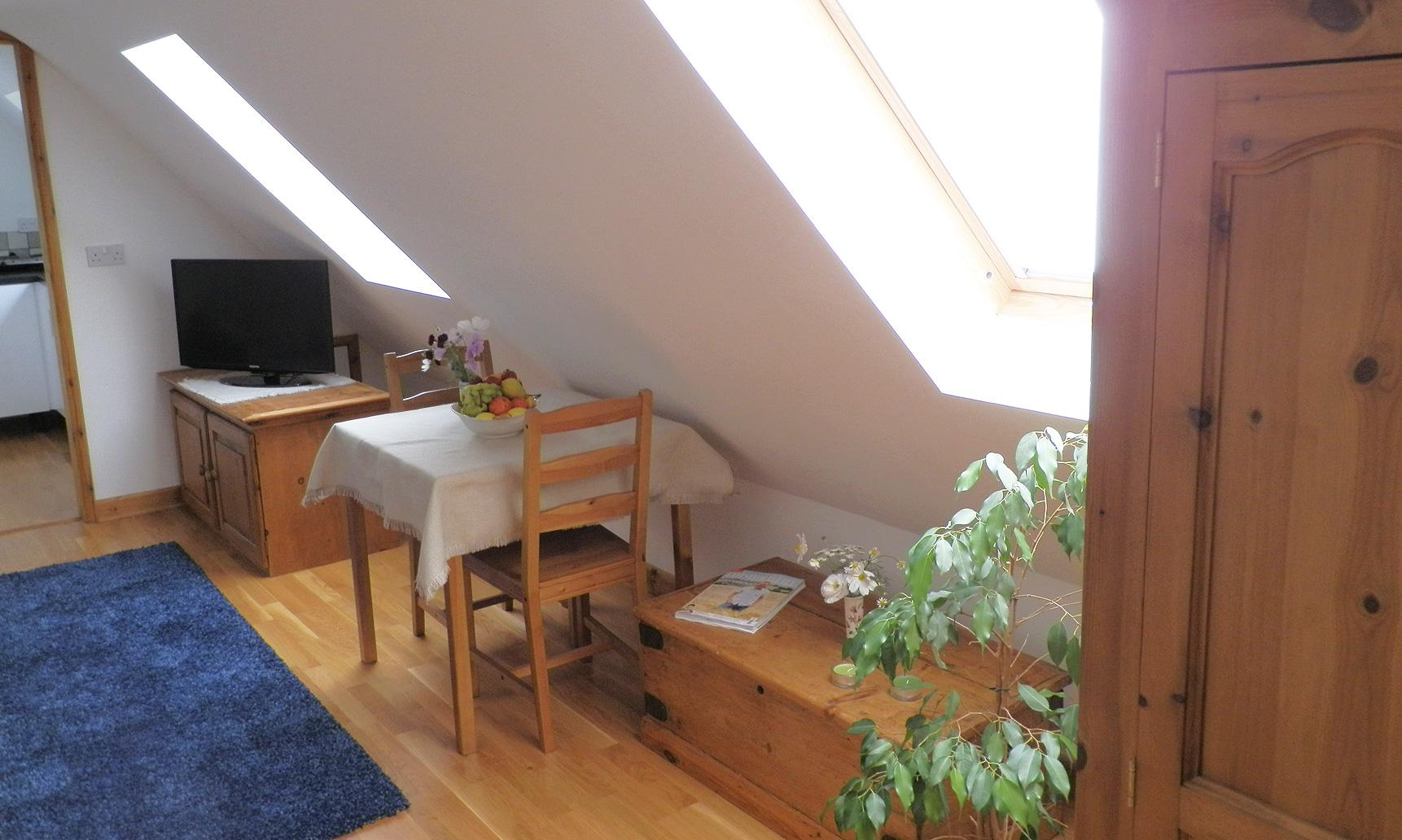Studio apartment for rent cheltenham holiday for Studio apartments for rent